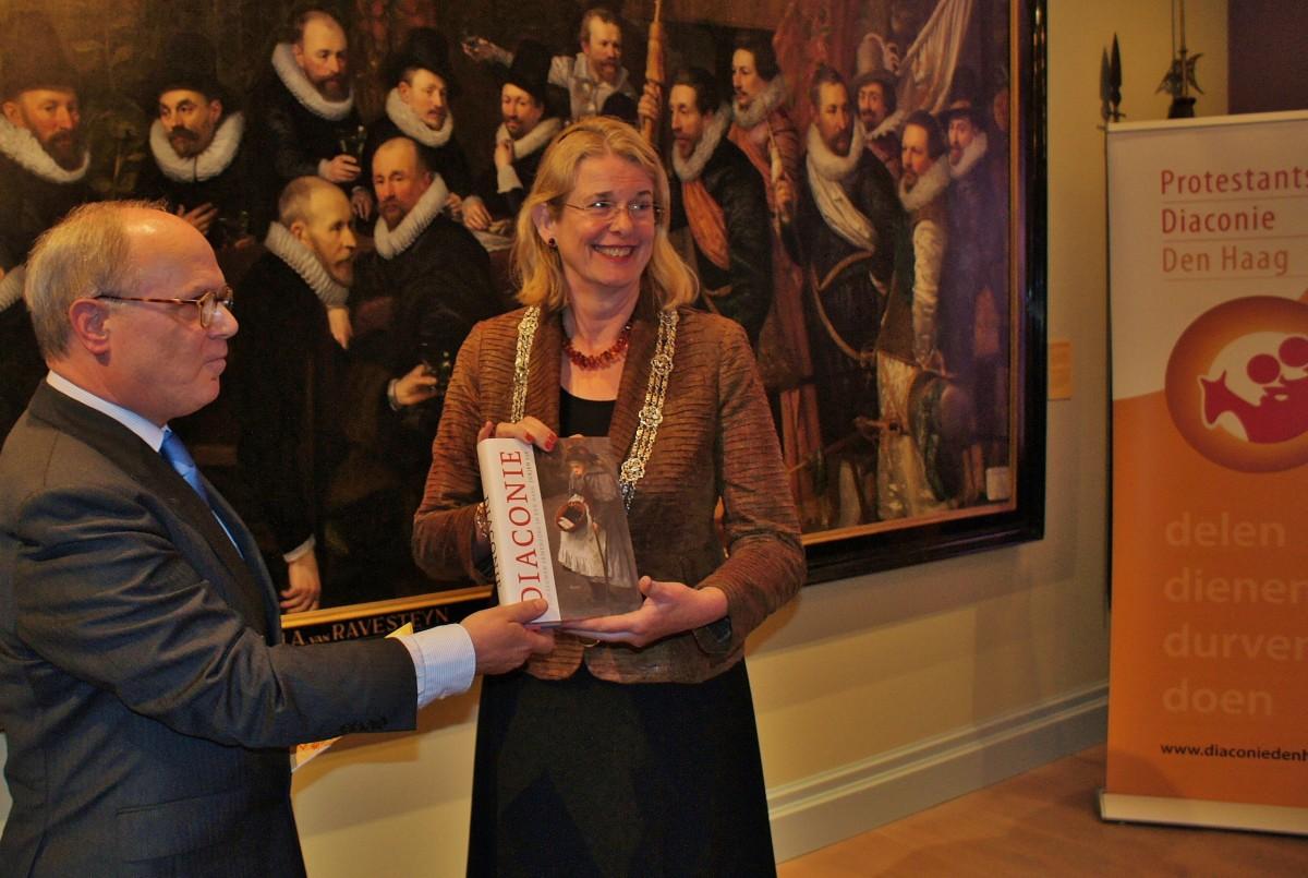 """""""Diaconie: vijf eeuwen armenzorg in Den Haag"""" op shortlist Die Haghe Prijs 2018"""